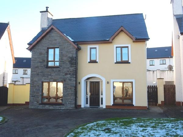 24 Forest Grove, Dromahair, Co Leitrim